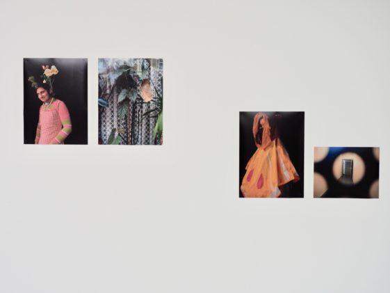 Ausstellungsansicht im Fenstergang der Kulturellen Bildung in den Deichtorhallen Hamburg