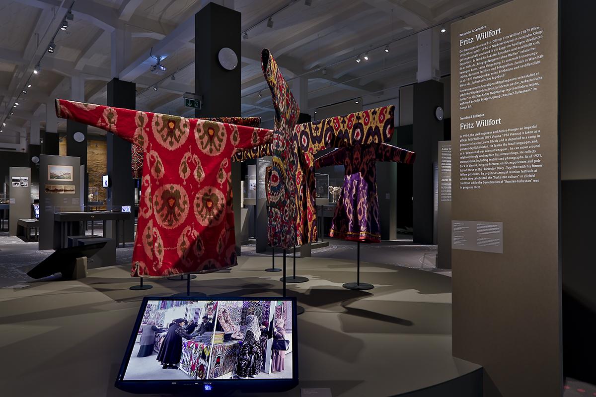 Einblick in die Ausstellung Steppen- und Seidenstraßen im MARKK